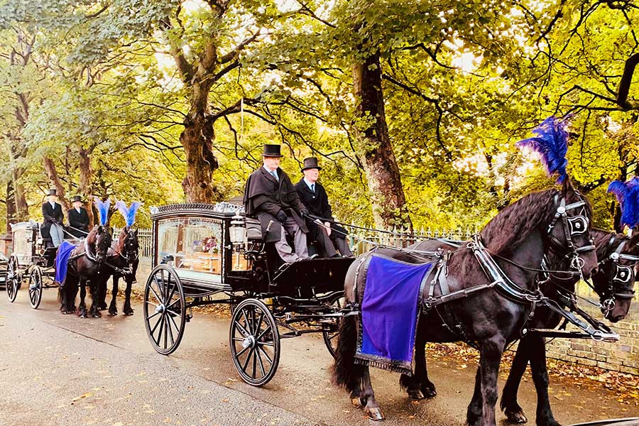 Hopkinson-funeral horse and carriage procession in Newcastle-under-Lyme