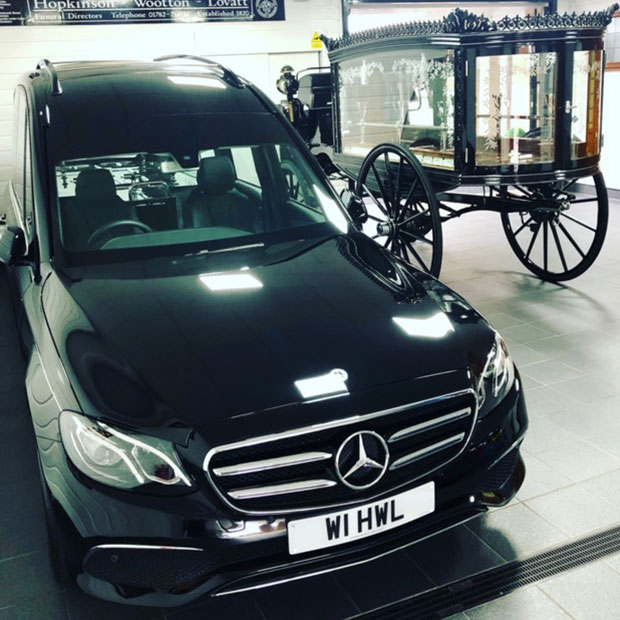 Hopkinson Wootton Lovatt funeral car and horse carriage